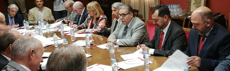 Firma del Manifiesto sobre las infraestructuras necesarias en Aragón y el Valle del Ebro para el transporte ferroviario de mercancías.