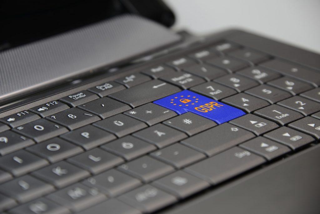laptop-3233780_1920