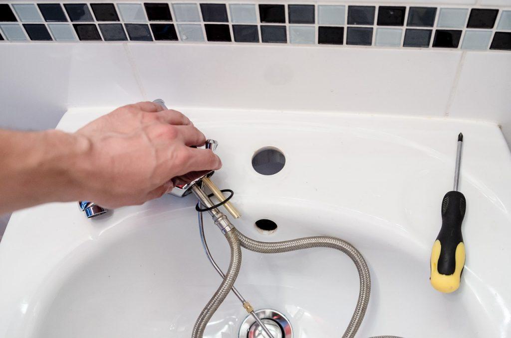 plumber-2788332_1280